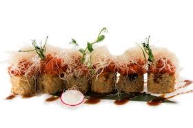 46 Spicy salmon maki